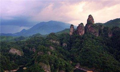 大金湖、寨下大峡谷、九龙潭(漂流+陆地)二日游
