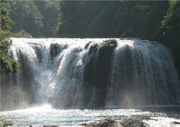 南靖树海瀑布