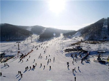顺义莲花山滑雪场