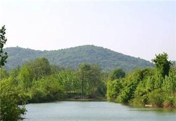 卧牛湖风景区